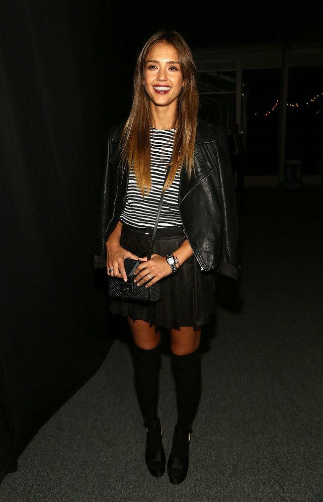 Модный показ от «Charlotte Ronson» в Нью-Йорке: прелестная гостья Джессика Альба: jessica-alba---2013-charlotte-ronson-fashion-show-in-ny--04_Starbeat.ru