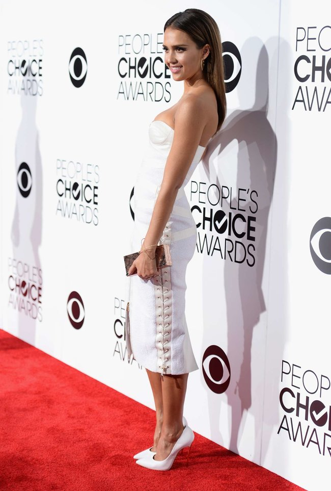Джессика Альба на мероприятии «People's Choice Awards 2014»: jessica-alba-2014-peoples-choice-awards--02_Starbeat.ru