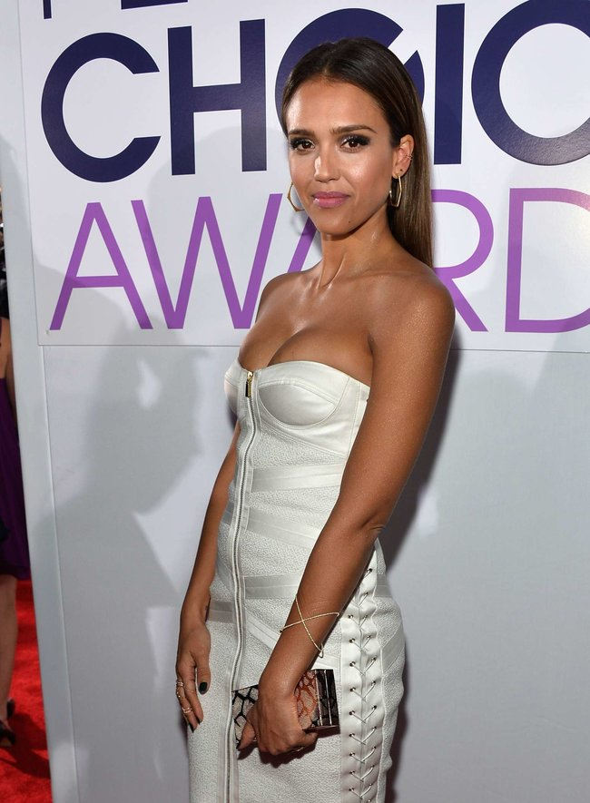 Джессика Альба на мероприятии «People's Choice Awards 2014»: jessica-alba-2014-peoples-choice-awards--04_Starbeat.ru