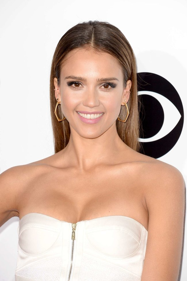 Джессика Альба на мероприятии «People's Choice Awards 2014»: jessica-alba-2014-peoples-choice-awards--06_Starbeat.ru