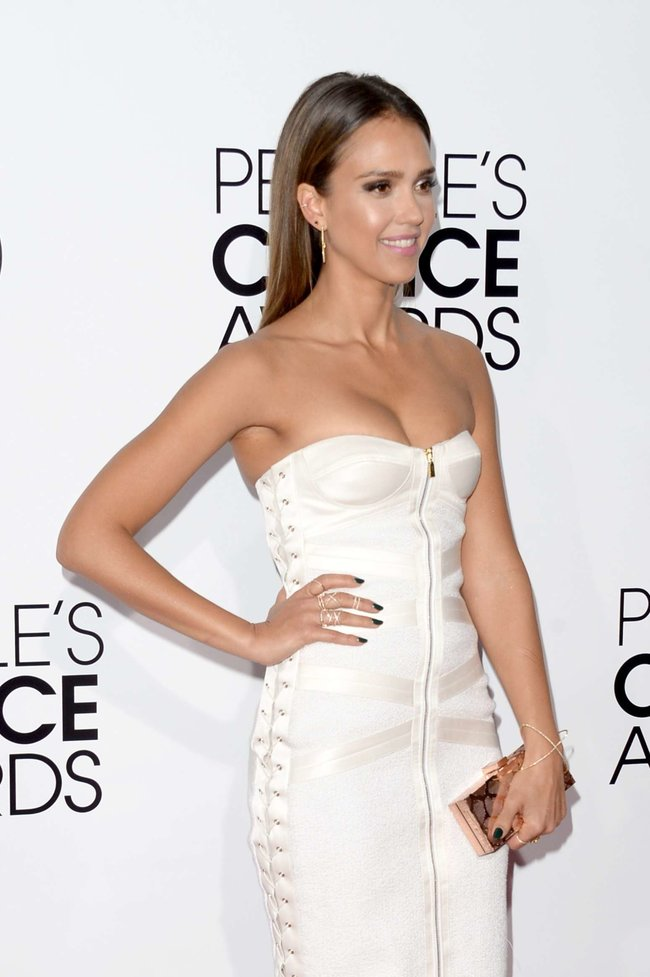 Джессика Альба на мероприятии «People's Choice Awards 2014»: jessica-alba-2014-peoples-choice-awards--10_Starbeat.ru