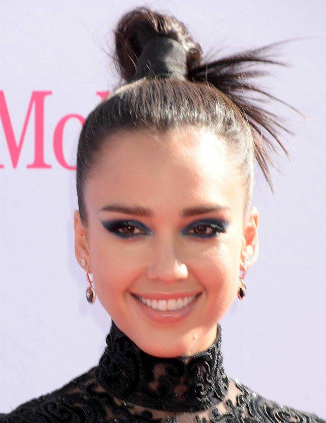 Джессика Альба на церемонии Billboard Music Awards 2016 в Лас-Вегасе: jessica-alba-3-1_Starbeat.ru