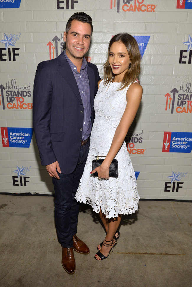 «Hollywood Stands Up To Cancer»: Джессика Альба: jessica-alba-214-hollywood-stands-up-to-cancer-event--01_Starbeat.ru