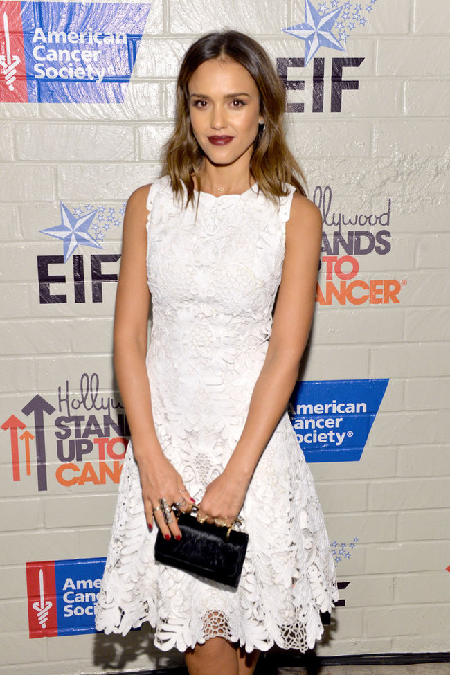 «Hollywood Stands Up To Cancer»: Джессика Альба: jessica-alba-214-hollywood-stands-up-to-cancer-event--06_Starbeat.ru