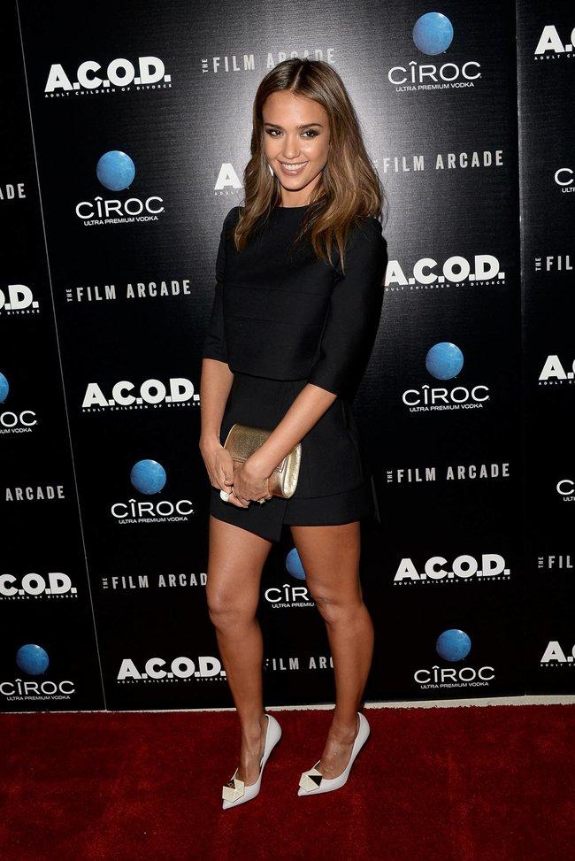 Джессика Альба на лос-анджелесской премьере фильма «Взрослые дети развода»: jessica-alba-115_Starbeat.ru