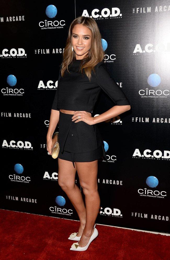 Джессика Альба на лос-анджелесской премьере фильма «Взрослые дети развода»: jessica-alba-123_Starbeat.ru