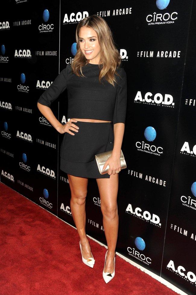 Джессика Альба на лос-анджелесской премьере фильма «Взрослые дети развода»: jessica-alba-32_Starbeat.ru