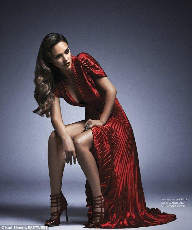 Джессика Альба в фотосессии журнала «West East Magazine»: jessica-alba-west-east-magazine-2013--03_Starbeat.ru