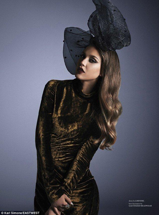 Джессика Альба в фотосессии журнала «West East Magazine»: jessica-alba-west-east-magazine-2013--07_Starbeat.ru