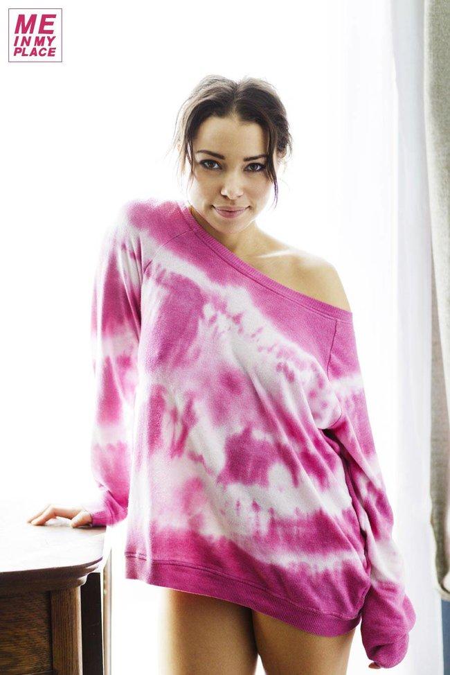 Джессика Паркер Кеннеди в фото-проекте «Me In My Place»: jessica_parker_kennedy-159_Starbeat.ru