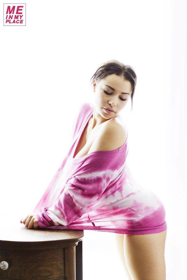 Джессика Паркер Кеннеди в фото-проекте «Me In My Place»: jessica_parker_kennedy-165_Starbeat.ru