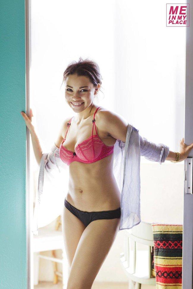 Джессика Паркер Кеннеди в фото-проекте «Me In My Place»: jessica_parker_kennedy-176_Starbeat.ru