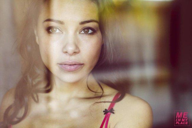 Джессика Паркер Кеннеди в фото-проекте «Me In My Place»: jessica_parker_kennedy-189_Starbeat.ru