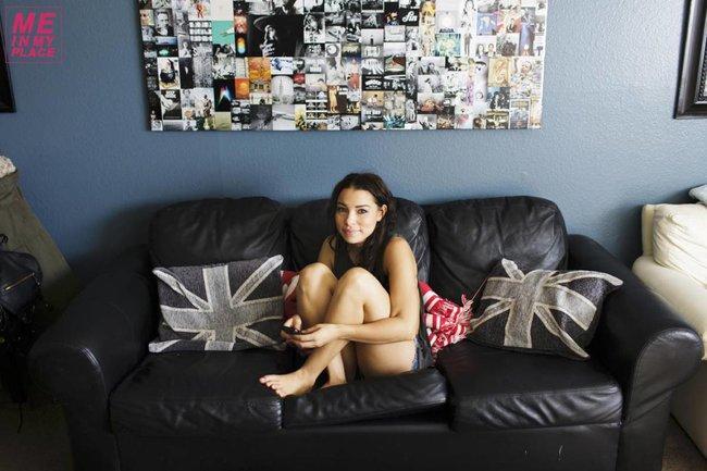 Джессика Паркер Кеннеди в фото-проекте «Me In My Place»: jessica_parker_kennedy-1_Starbeat.ru