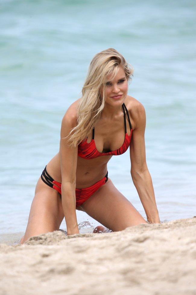 Подглядываем за Джой Корриган на фотосессии в Майами: joy-corrigan-11_Starbeat.ru