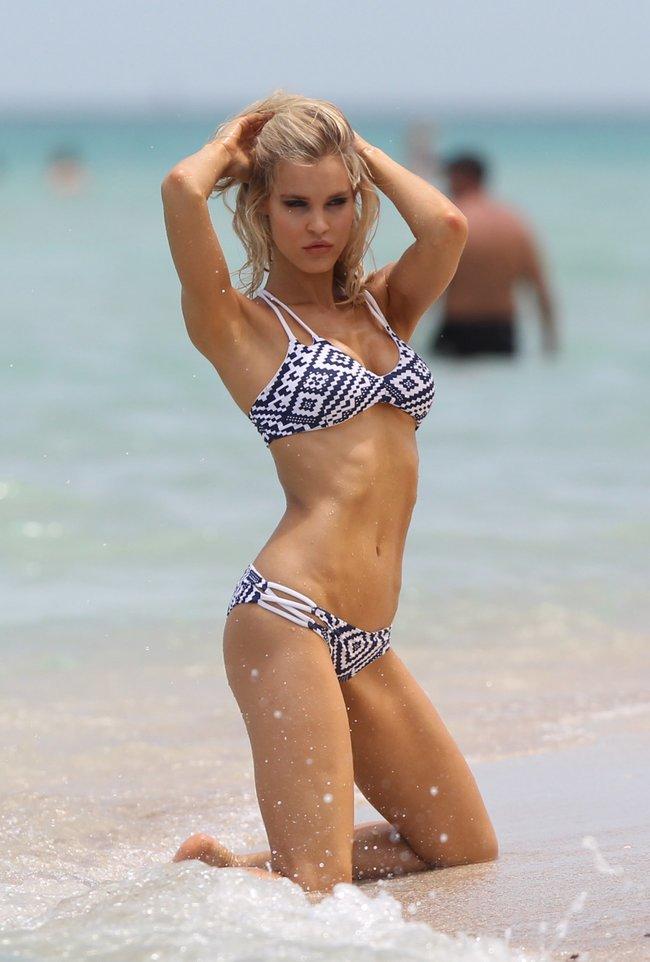 Подглядываем за Джой Корриган на фотосессии в Майами: joy-corrigan-15_Starbeat.ru