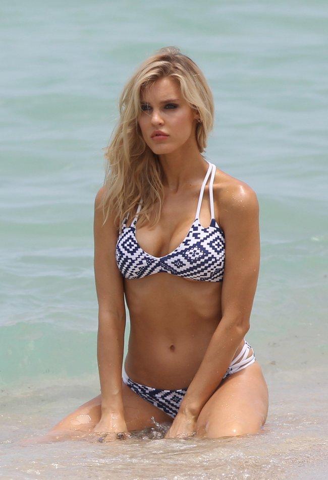 Подглядываем за Джой Корриган на фотосессии в Майами: joy-corrigan-18_Starbeat.ru