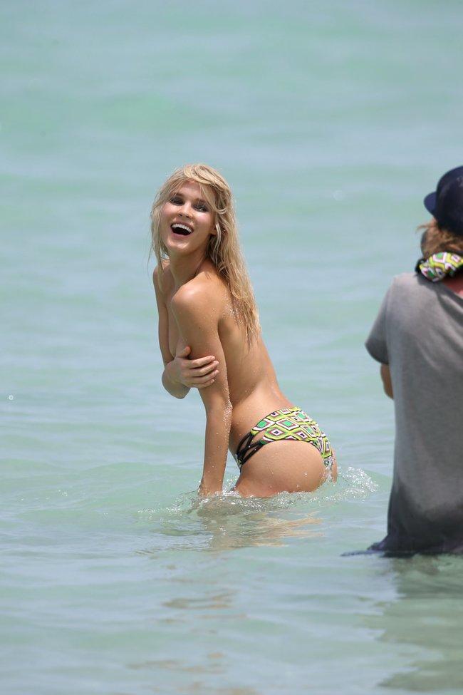 Подглядываем за Джой Корриган на фотосессии в Майами: joy-corrigan-43_Starbeat.ru