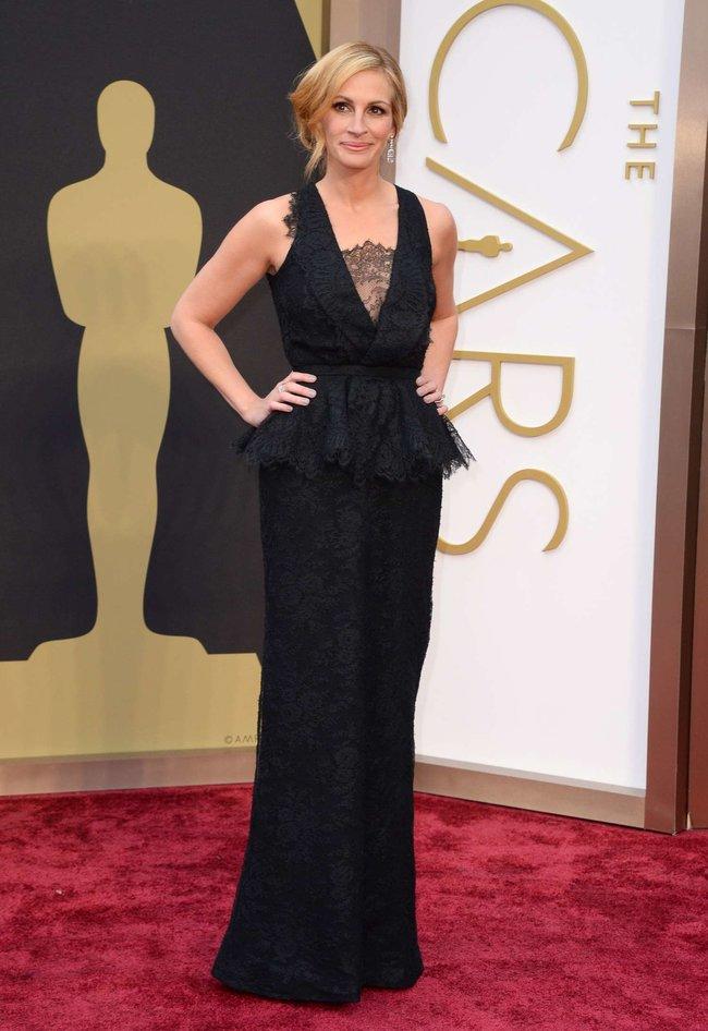 Джулия Робертс посетила церемонию вручения премии «Оскар 2014»: oscar-2014-julia-roberts--02_Starbeat.ru