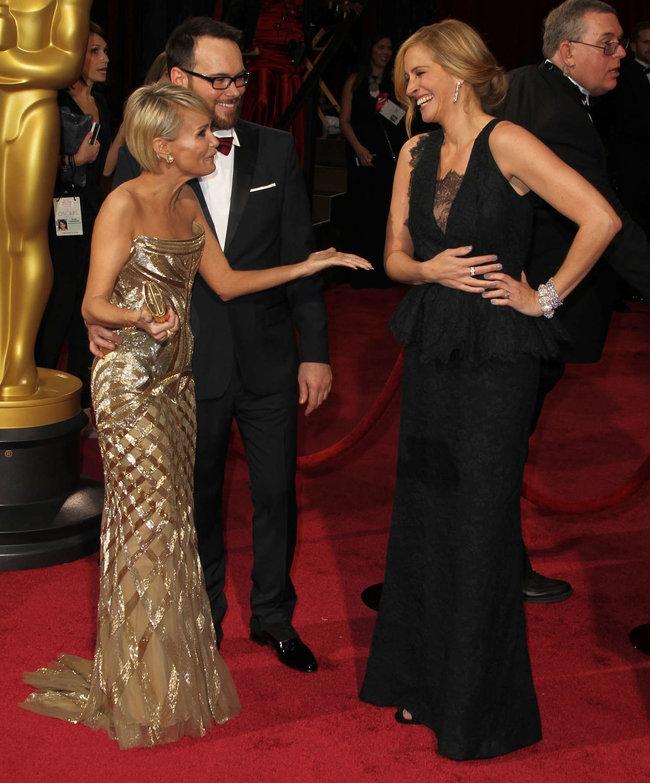 Джулия Робертс посетила церемонию вручения премии «Оскар 2014»: oscar-2014-julia-roberts--07_Starbeat.ru