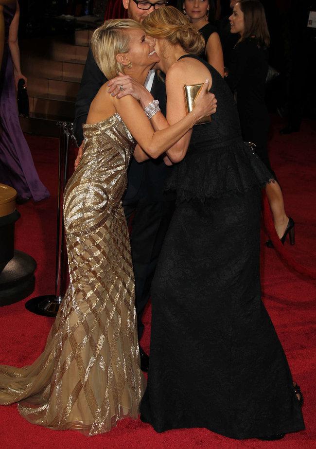 Джулия Робертс посетила церемонию вручения премии «Оскар 2014»: oscar-2014-julia-roberts--08_Starbeat.ru