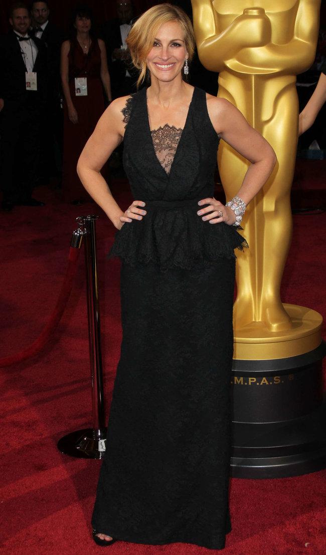 Джулия Робертс посетила церемонию вручения премии «Оскар 2014»: oscar-2014-julia-roberts--15_Starbeat.ru
