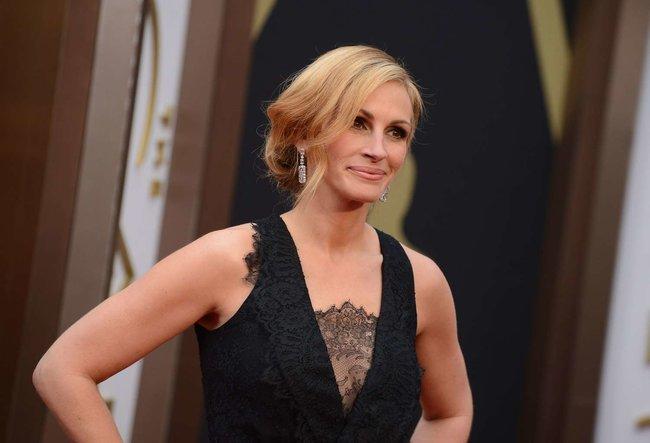 Джулия Робертс посетила церемонию вручения премии «Оскар 2014»: oscar-2014-julia-roberts--18_Starbeat.ru