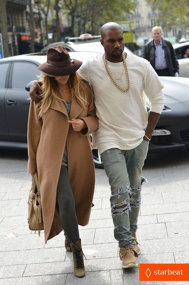 Ким Кардашьян и Канье Уэст проводят время во Франции: kim-kardashian-kanye-west-step-out-together-in-paris-13_Starbeat.ru