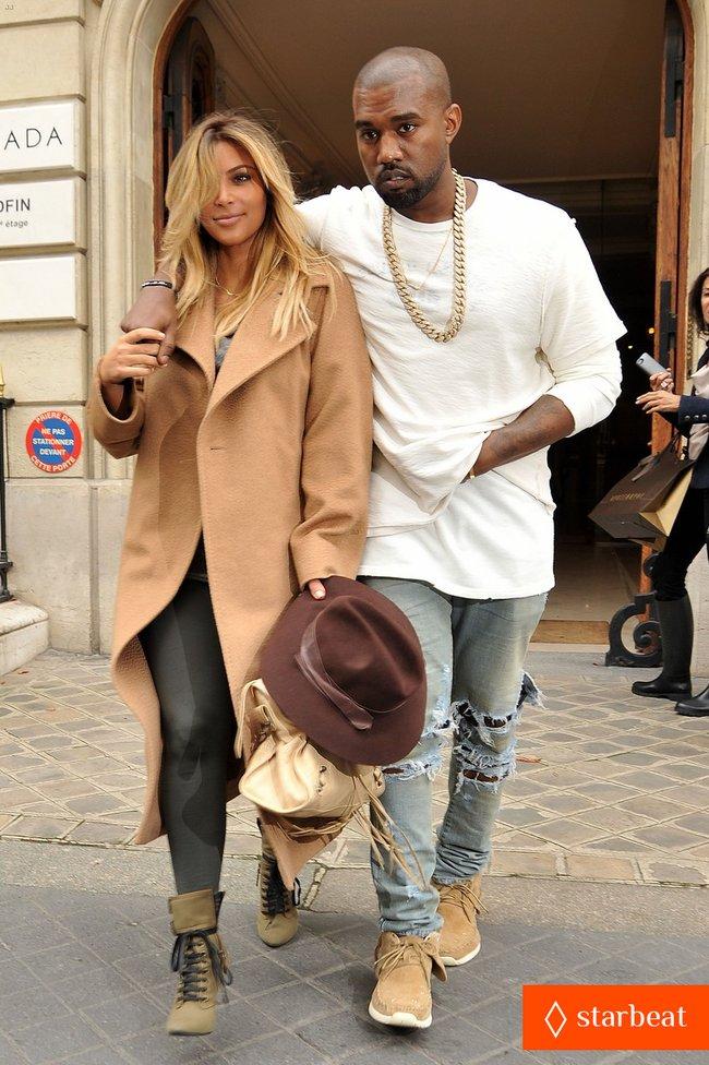 Ким Кардашьян и Канье Уэст проводят время во Франции: kim-kardashian-kanye-west-step-out-together-in-paris-16_Starbeat.ru