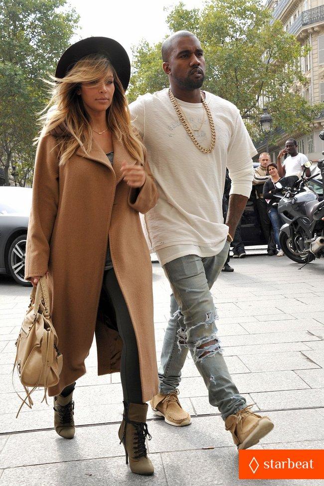 Ким Кардашьян и Канье Уэст проводят время во Франции: kim-kardashian-kanye-west-step-out-together-in-paris-21_Starbeat.ru