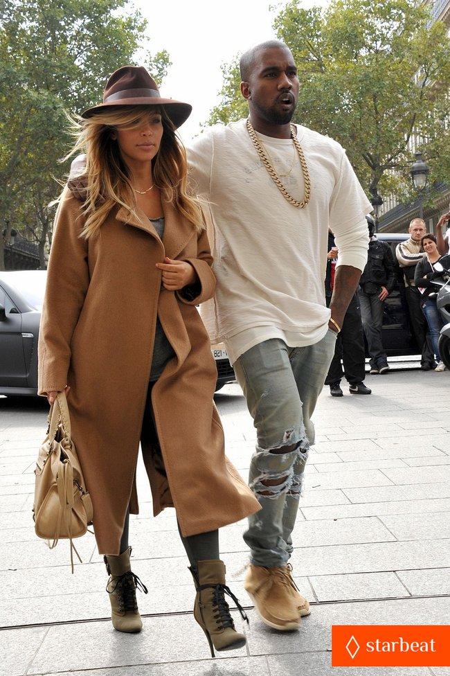 Ким Кардашьян и Канье Уэст проводят время во Франции: kim-kardashian-kanye-west-step-out-together-in-paris-22_Starbeat.ru