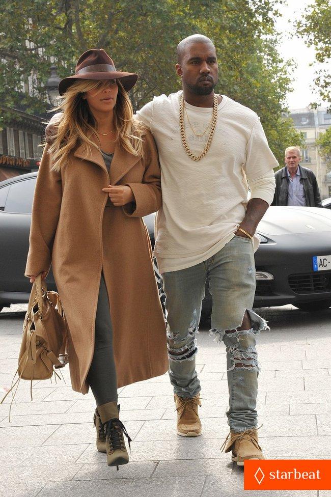 Ким Кардашьян и Канье Уэст проводят время во Франции: kim-kardashian-kanye-west-step-out-together-in-paris-23_Starbeat.ru
