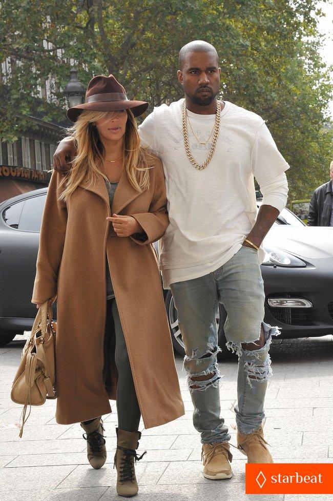 Ким Кардашьян и Канье Уэст проводят время во Франции: kim-kardashian-kanye-west-step-out-together-in-paris-25_Starbeat.ru