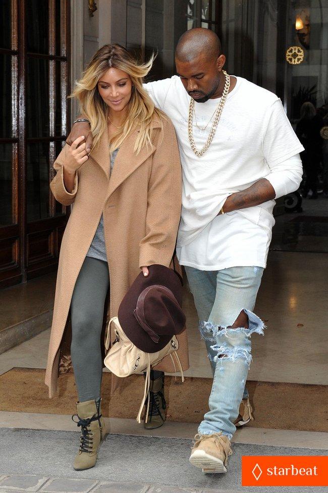 Ким Кардашьян и Канье Уэст проводят время во Франции: kim-kardashian-kanye-west-step-out-together-in-paris-29_Starbeat.ru