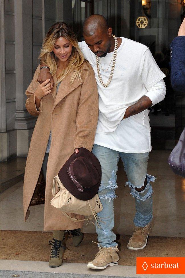 Ким Кардашьян и Канье Уэст проводят время во Франции: kim-kardashian-kanye-west-step-out-together-in-paris-30_Starbeat.ru