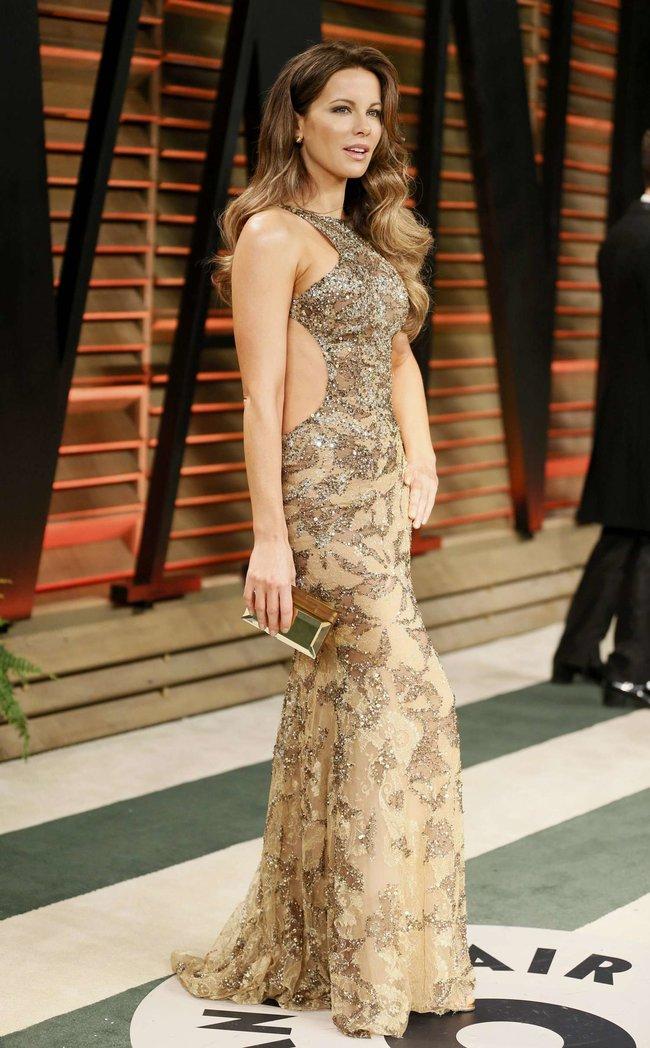 Журнал «Vanity Fair» чествует звезд: Кейт Бекинсэйл : kate-beckinsale-oscars-2014---vanity-fair-party--01_Starbeat.ru