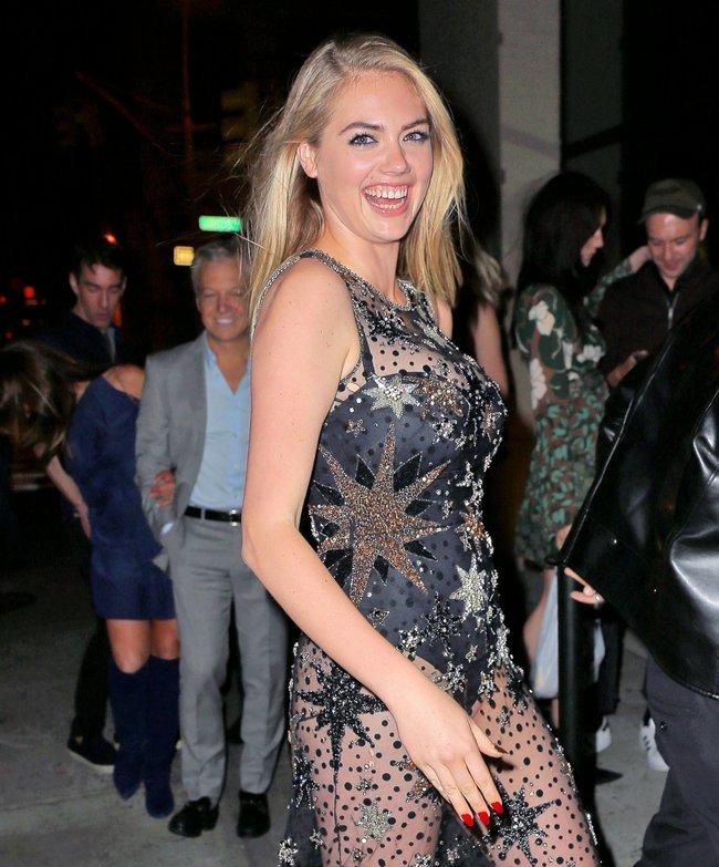 Кейт Аптон отмечает свой 24-й день рождения в подворотнях Нью-Йорка: kate-upton-14_Starbeat.ru