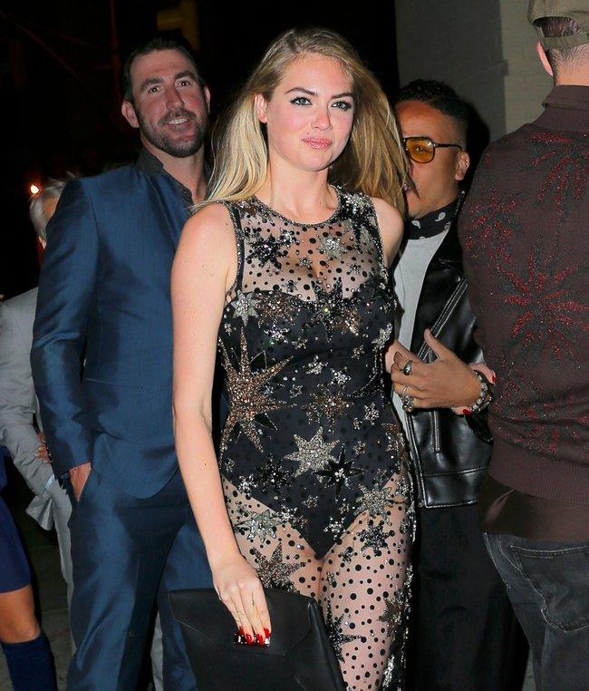 Кейт Аптон отмечает свой 24-й день рождения в подворотнях Нью-Йорка: kate-upton-15_Starbeat.ru