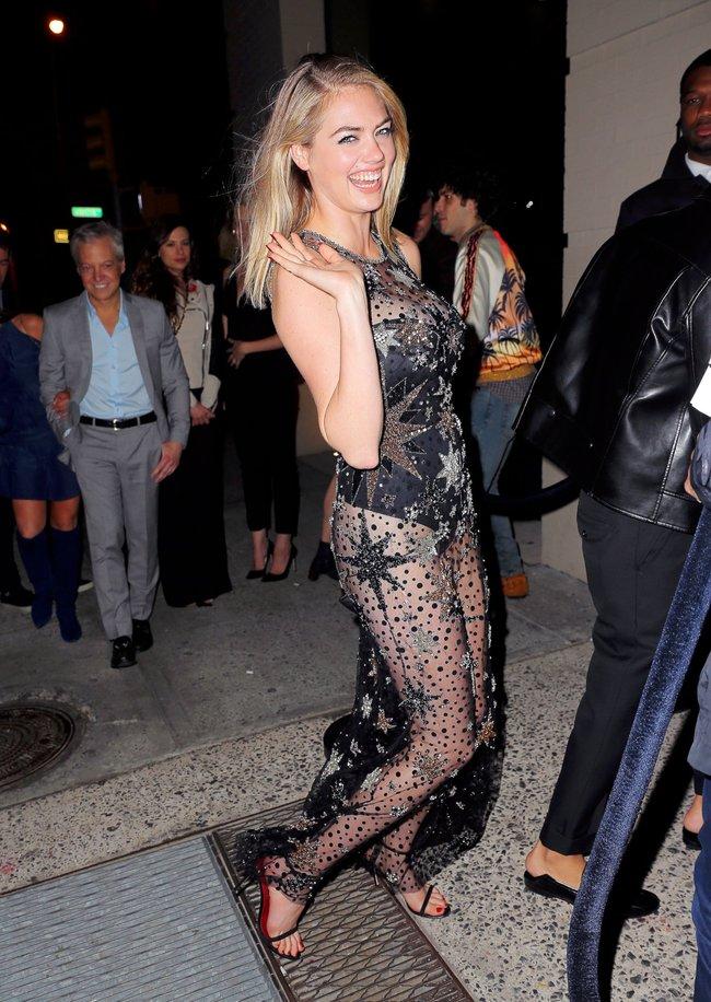 Кейт Аптон отмечает свой 24-й день рождения в подворотнях Нью-Йорка: kate-upton-19_Starbeat.ru