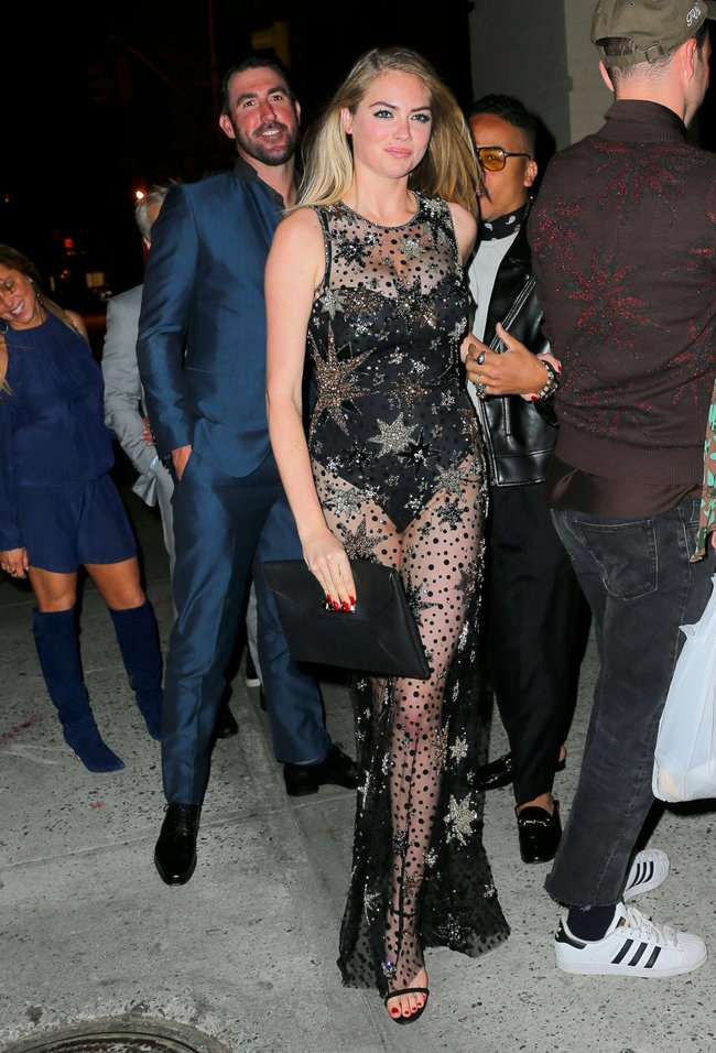 Кейт Аптон отмечает свой 24-й день рождения в подворотнях Нью-Йорка: kate-upton-7_Starbeat.ru