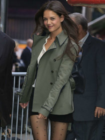 Кэти Холмс на съемках передачи «Good Morning America»: katie-holmes---on-good-morning-america--01_Starbeat.ru