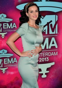 «MTV Europe Music Awards» в Амстердаме: Кэти Перри: katy-perry-11_Starbeat.ru