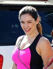 Келли Брук на занятиях по кикбоксингу, Лос-Анджелес: kelly-brook-at-a-kickboxing-class-in-la--12_Starbeat.ru