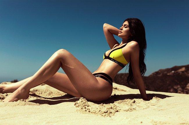 Кендалл и Кайли Дженнер подогнали новых фоточек в купальниках для «Topshop», разгружайте!: kendall-kylie-jenner-20_Starbeat.ru