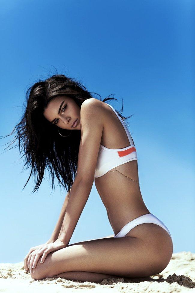 Кендалл и Кайли Дженнер подогнали новых фоточек в купальниках для «Topshop», разгружайте!: kendall-kylie-jenner-22_Starbeat.ru