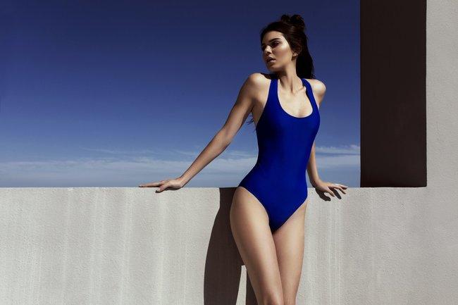 Кендалл и Кайли Дженнер подогнали новых фоточек в купальниках для «Topshop», разгружайте!: kendall-kylie-jenner-2_Starbeat.ru