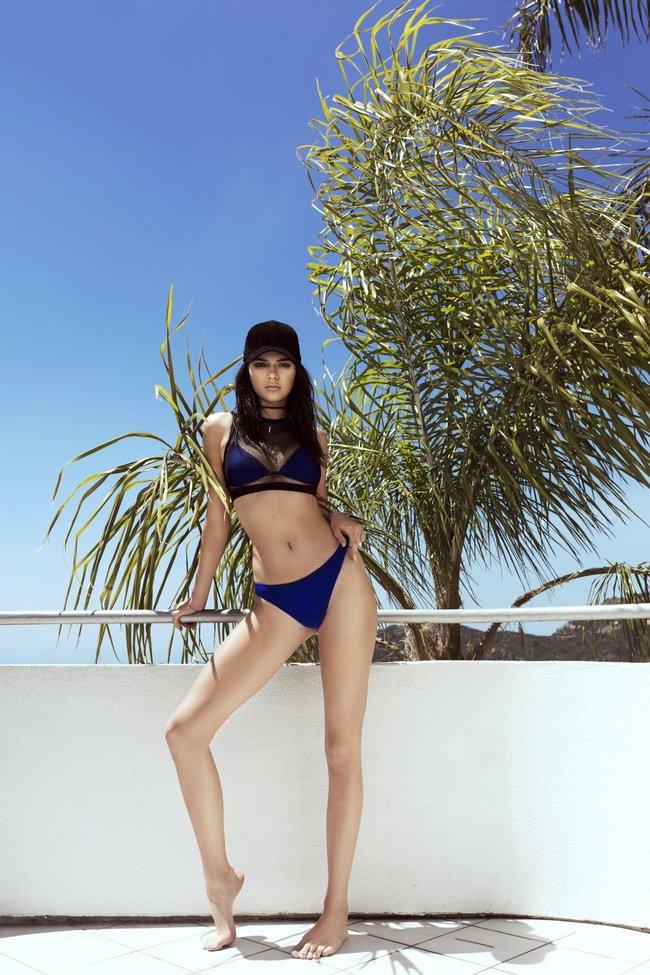 Кендалл и Кайли Дженнер подогнали новых фоточек в купальниках для «Topshop», разгружайте!: kendall-kylie-jenner-7_Starbeat.ru