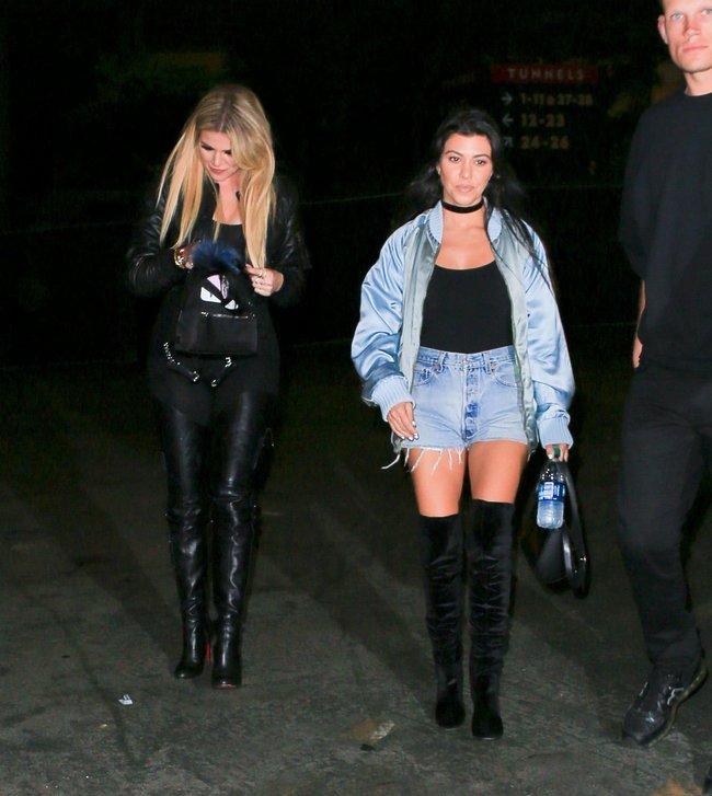Хлои Кардашьян и чёрные лосины в Пасадене: khloe-kardashian-13_Starbeat.ru