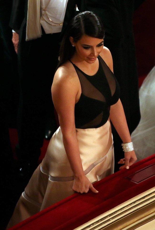 Ким Кардашьян на «58 Wiener Opernball» в Вене: kim-kardashian-14_Starbeat.ru