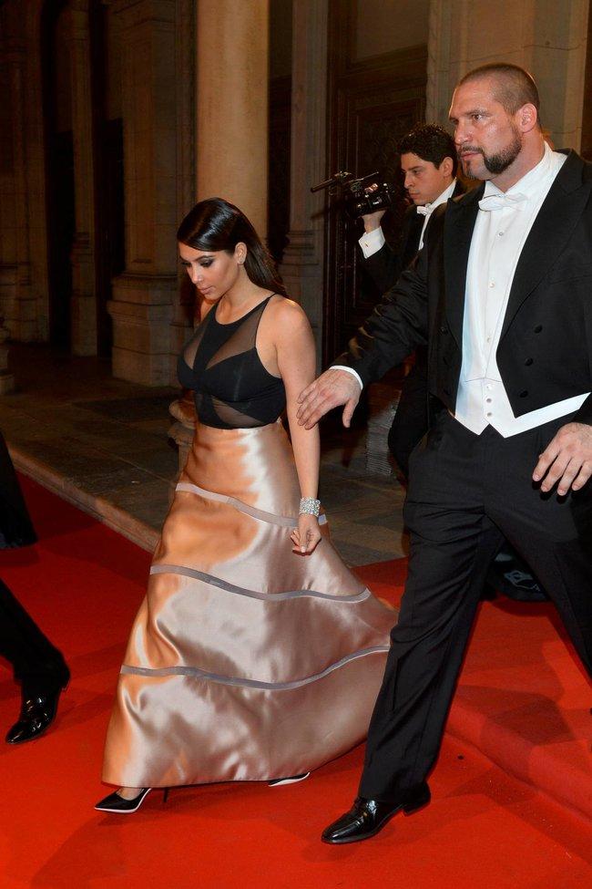Ким Кардашьян на «58 Wiener Opernball» в Вене: kim-kardashian-4_Starbeat.ru